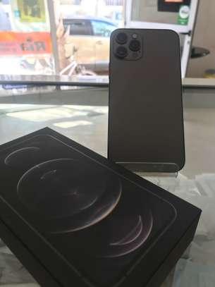 iPhone 12 pro max 128 go image 4