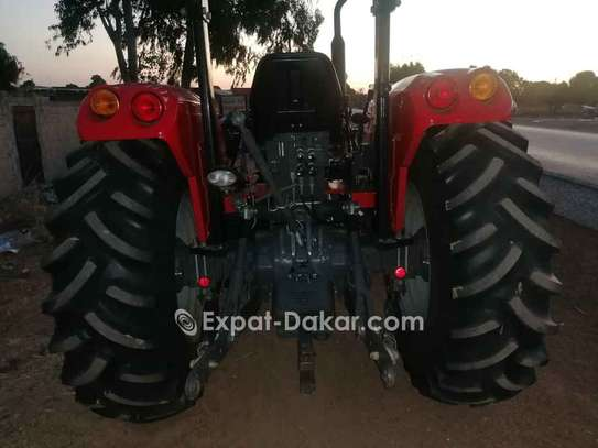 Tracteur agricole à louer image 2