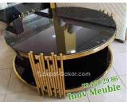 Table basse dorée image 1