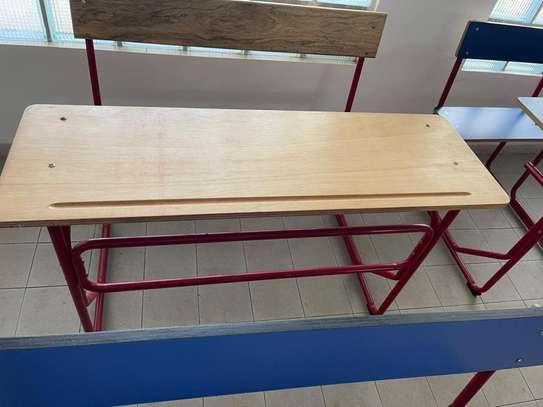 tables bancs image 1