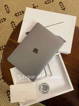 Macbook Pro 2020 13 pouces 256gb image 2