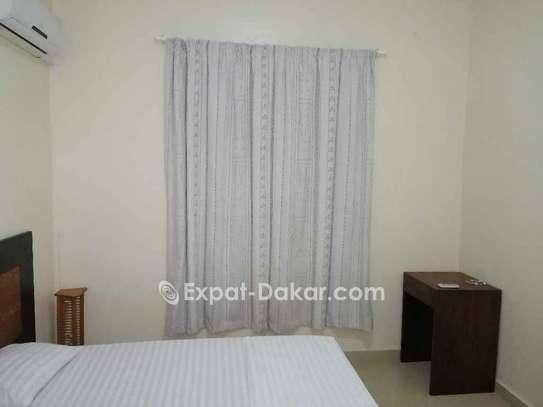 Chambres meublées à louer au point E image 2
