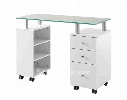 Table de Manucure image 1