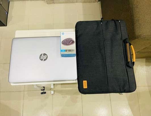 HP Elitbook 840 G4 et accessoires free image 7