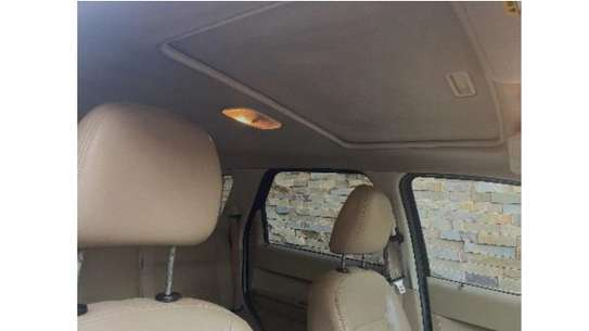 4x4 Ford Escape image 6