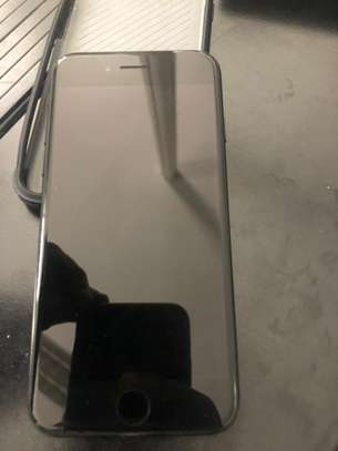 IPHONE 7 Special Edition Jet Black 128GB image 4
