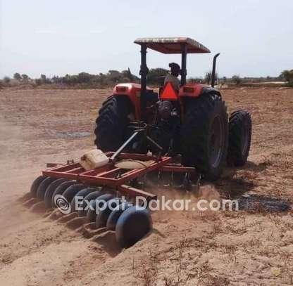 Tracteur agricole à louer image 1