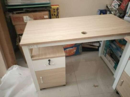 Table en bois image 3