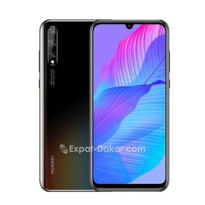 Huawei Y8p image 3
