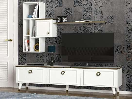 Table TV avec étagère murale image 4