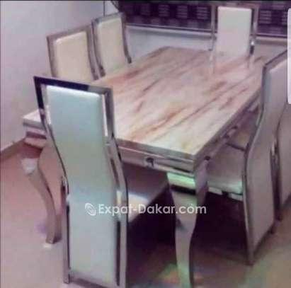 Table à manger en marbre avec 6 chaises image 5