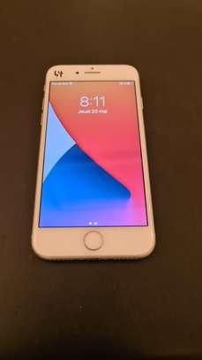 iPhone 8 simple 64 GB image 2