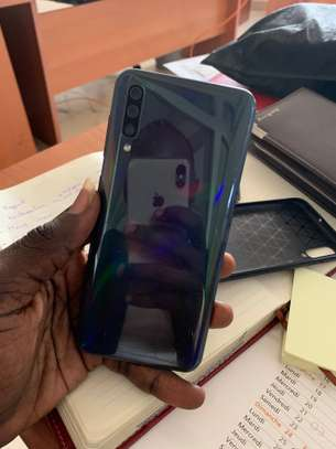 Samsung Galaxy A50 image 3