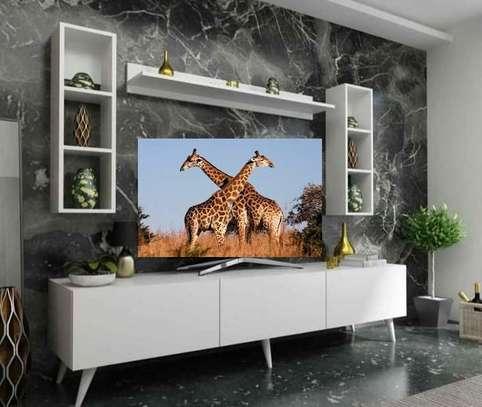 Table TV avec étagère murale image 12