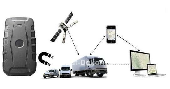 Gps de surveillance voiture ou moto - par carte sim et fonction arrêt moteur à distance image 1