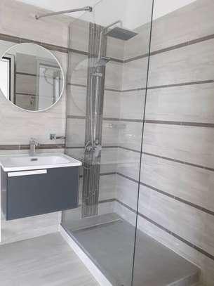 Appartement F4 à louer aux Almadies image 6