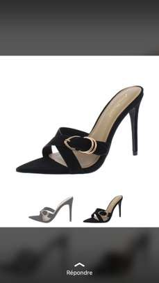 Vente de chaussures femmes image 5
