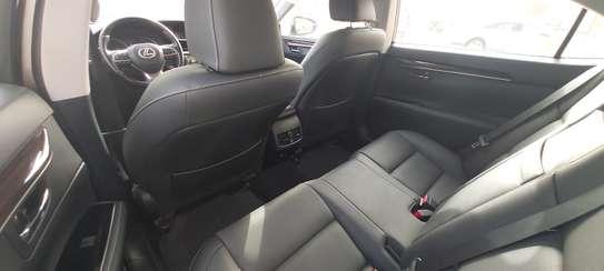 Lexus ES300h presque neuve 2019 full options image 9