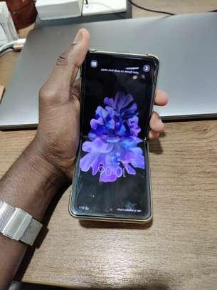 Samsung Galaxy Z FLIP À Vendre image 6
