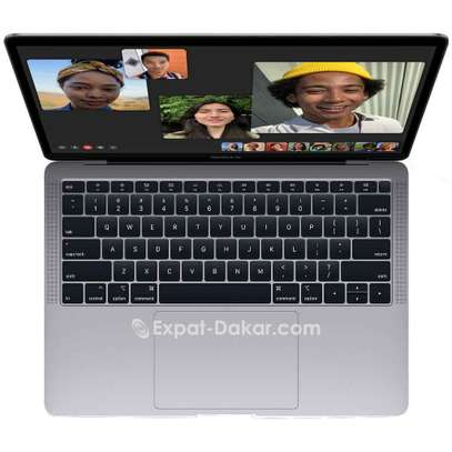 MacBook Air 2019 image 2
