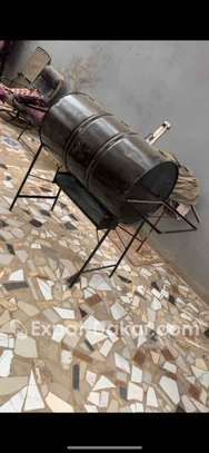 Fourneau barbecue inutilisé image 2