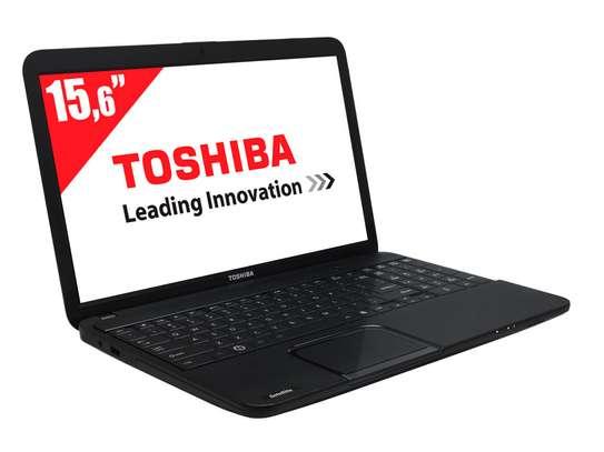 Toshiba Satellite C850 image 2