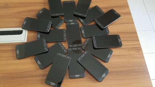 Samsung Galaxy J3 prime très propre vendu avec accessoires image 5