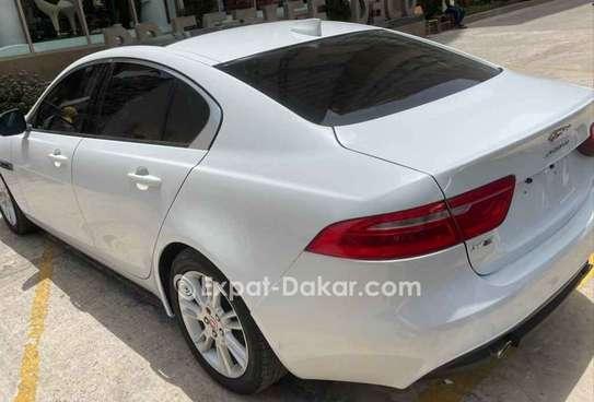 Jaguar Xe 2018 image 4