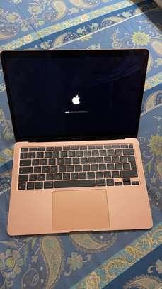 A vendre Macbook air 2021 image 1
