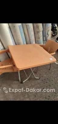 Ensemble Table et 2 chaises image 1