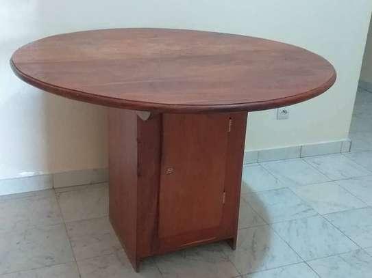 Table à manger + 4 chaises image 1