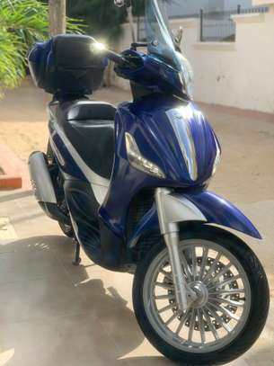 Piaggio Beverly Led 300ie image 2