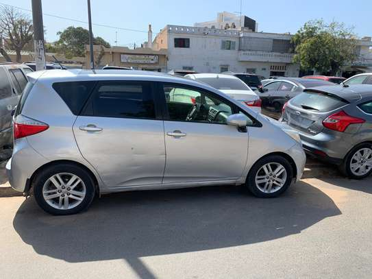 Toyota verso S image 2