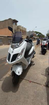 Kymco new dink 125cc image 5