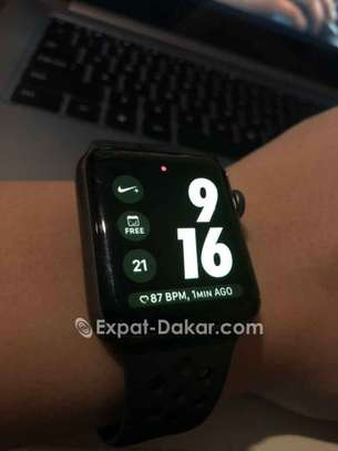 Apple watch serie3 Nike 42mm GPS +scelullaire image 1