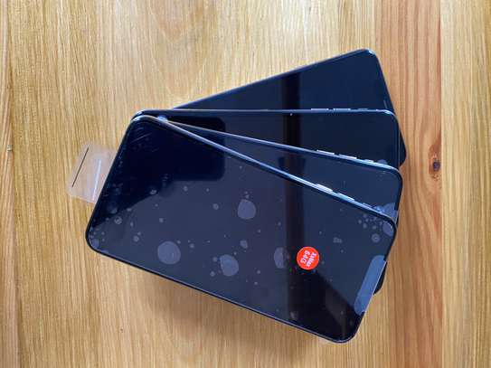 Iphone XsMax 64gb image 3