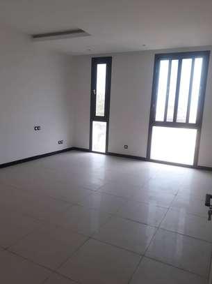 Appartement F4 à louer aux Almadies image 7