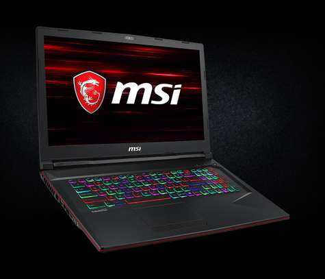 Puissante Laptop Gaming MSI cire i7 avec RTX image 11