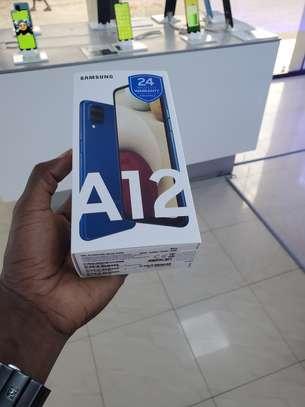 Vend Samsung galaxy A12 64Go Ram 4go image 2