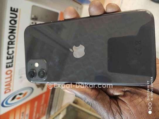 Vente IPhone 11 image 1