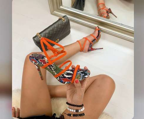 Vente de chaussures femmes image 7
