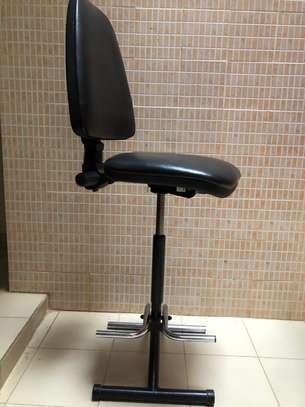Chaise haute en cuir très confortable image 9
