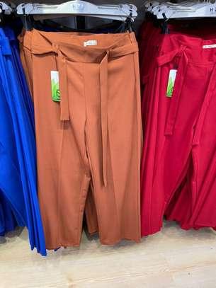 Des pantalons bas large image 6