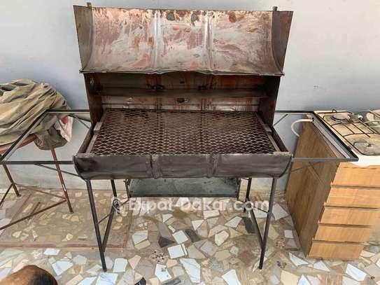Fourneau barbecue inutilisé image 1