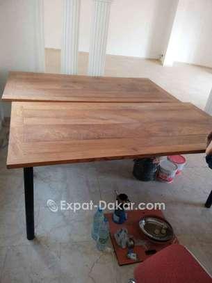 Table bois Djibouti de qualité image 1