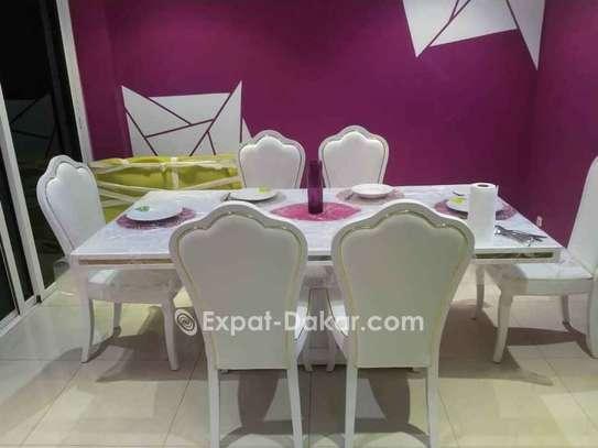 Table à manger 6 ou 8 places image 2