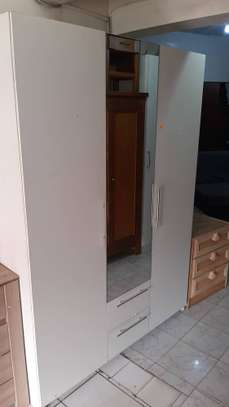 Armoire blanche 3 portes image 2