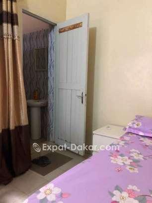 Chambre meublée climatisée image 5