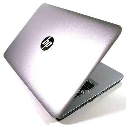 HP  EliteBook  2.7 image 1