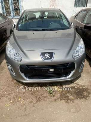 Peugeot 308 2013 image 1